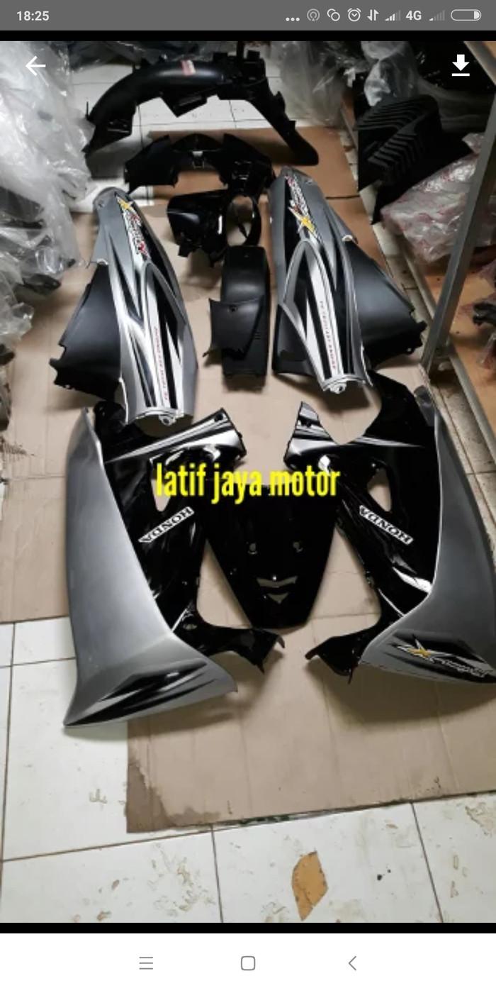 Foto Produk bodi full karisma x 125 d silver hitam dari Ridho jaya motor