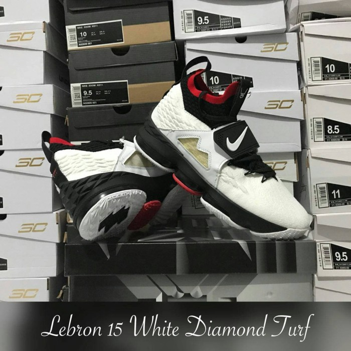 huge selection of 20228 3bd64 Jual Sepatu Basket LeBron 15 Red Diamond Turf White Black Putih Hitam -  Kota Batam - Top Sneaker Store | Tokopedia