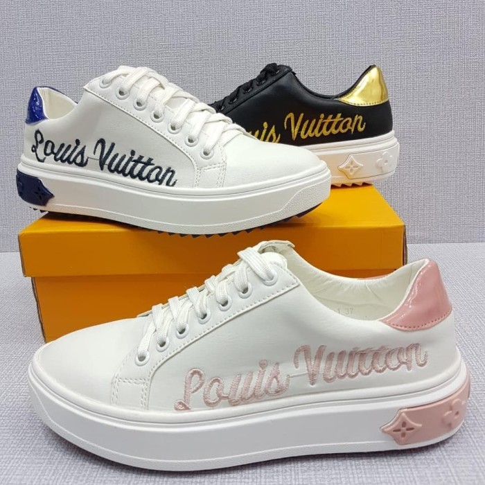 04d87ff437 Jual Sepatu LV Sneakers Embroidery Time Out Trainer 5366 - Jakarta Barat -  Tamaguchi House | Tokopedia