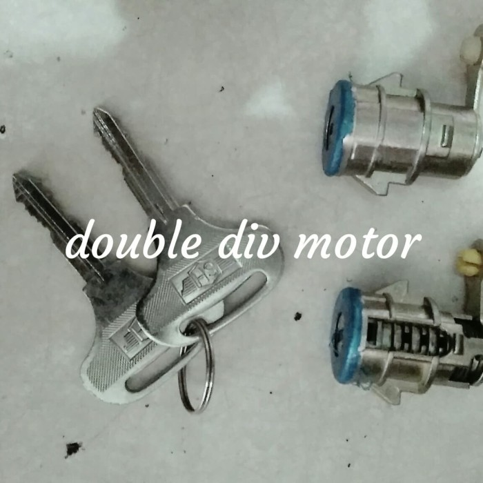 harga Kunci pintu dyna saurus hino dutro 2pc Tokopedia.com