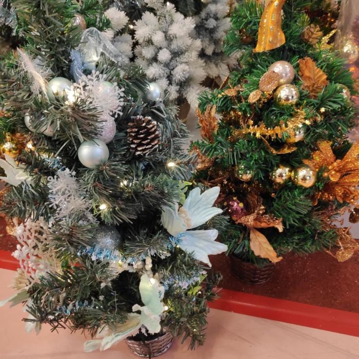 Pohon natal / christmas tree mini komplit lengkap hiasan dan lampu