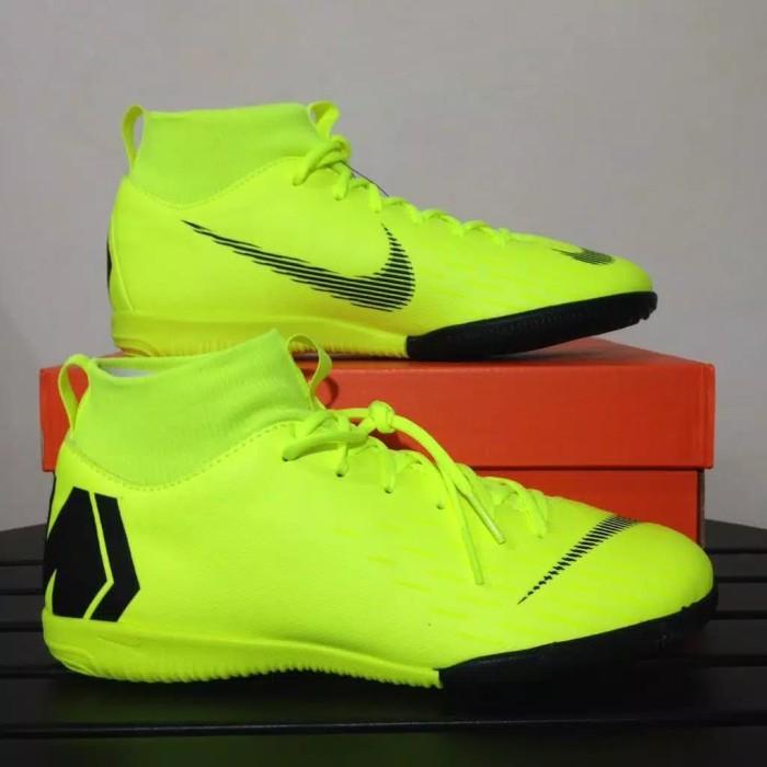 Jual Baru Sepatu Futsal Anak Nike JR Sprfly 6 Acdmy GS IC Volt Black ... 121e0fad7e