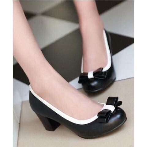 Sepatu Pantofel Wanita Pita Hitam Cream Tinggi 7cm BONUS BUBBLE WARP - Hitam 55035e6ddf