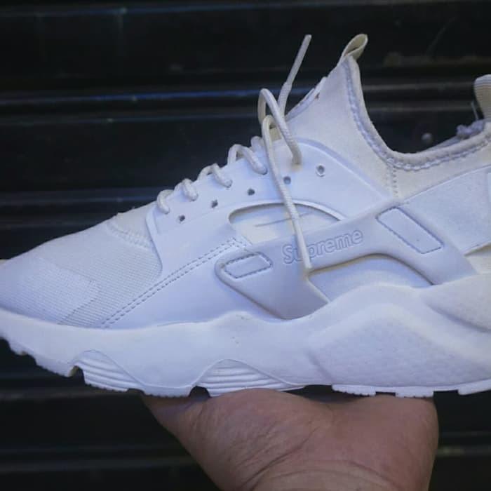 size 40 9c645 7ce5e Jual Sepatu sneakers casual running nike huarache supreme full putih cewek  - tascantik.store | Tokopedia