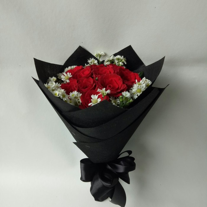 Jual Buket bunga mawar asli bucket wisuda hadiah ulang tahun ... ea71f80d78
