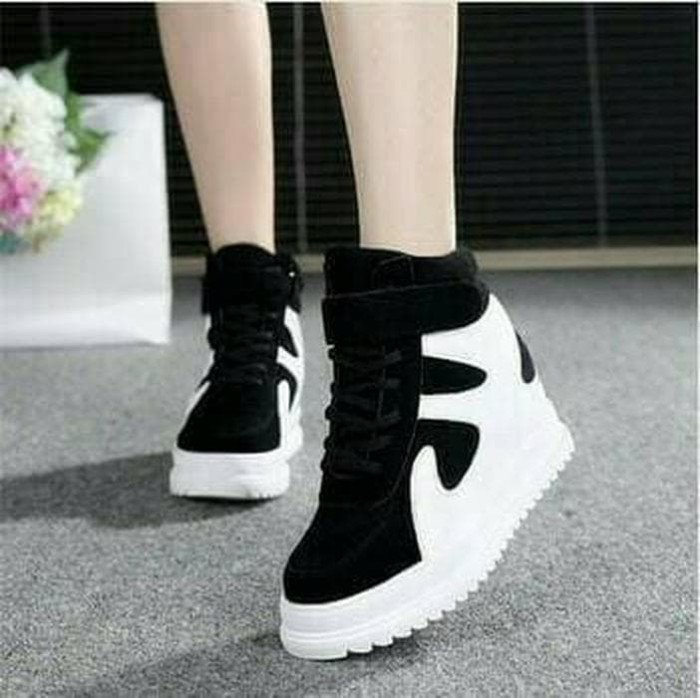 Promo BOOT SNEAKERS SAVVY HITAM