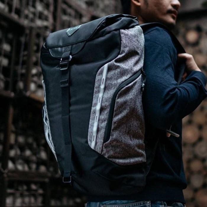 DISKON Tas Eiger Riding Proper 1.1 Backpack 25L Bag Black   Blue Cowok 6980300fa7