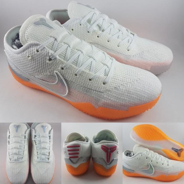 super popular 9b6ee b865f Jual Sepatu Basket Nike Kobe AD NXT 360 Infrared White Orange Putih Oren -  Kota Bandung - BladeMazter Corp. | Tokopedia