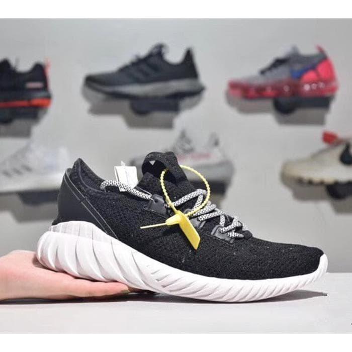 Foto Produk Sepatu Sneakers Desain Adidas Tubular Doom Sock PK Bahan Breathable dari Toserba Support LZD