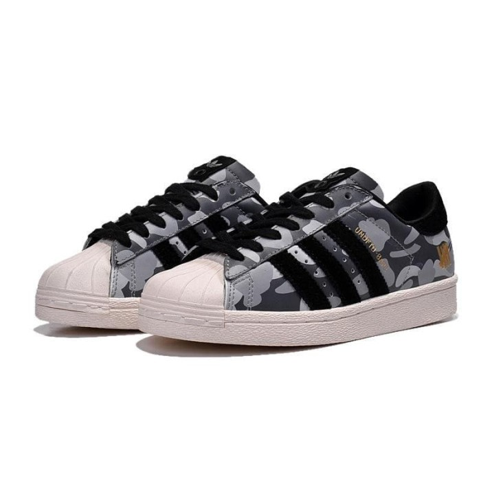 Foto Produk Sepatu Sneakers Desain Adidas Superstar BAPE x Undefeated Warna dari Nonsend Store