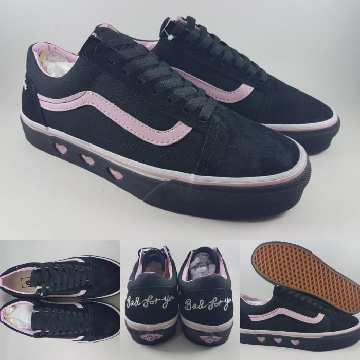 cfb3fc4fbae Sepatu Lazy Oaf X Vans Black Platform Old Skool Bad For You Black Pink