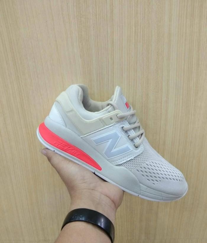 Jual Sepatu New Balance 574 Woman Premium Sneakers Kuliah Kets ... 2a78b984a9