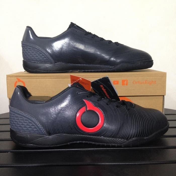 Jual Sepatu Futsal Ortuseight Catalyst Oracle In Black Dark Grey