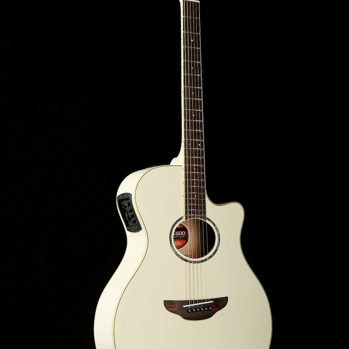 Unduh 64+ Gambar Gitar Yamaha Keren HD