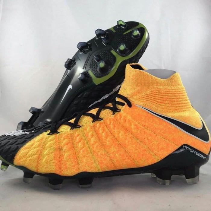 lowest price 3f902 288b9 Jual sepatu bola nike hypervenom phantom iii df fg laser orange - Kota  Bandung - exp sport | Tokopedia