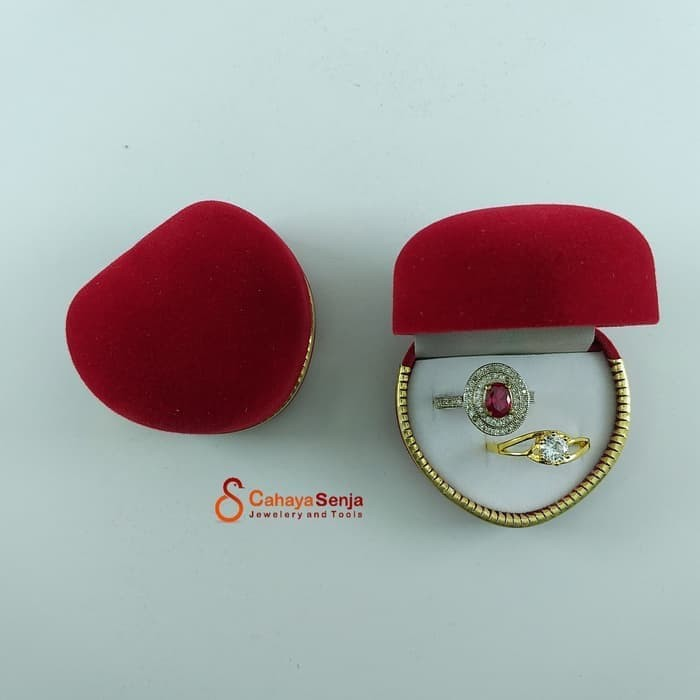 Foto Produk ORIGINAL Tempat cincin sepasang / Kotak Cincin Tunangan Couple Love dari TokoMas Kuda