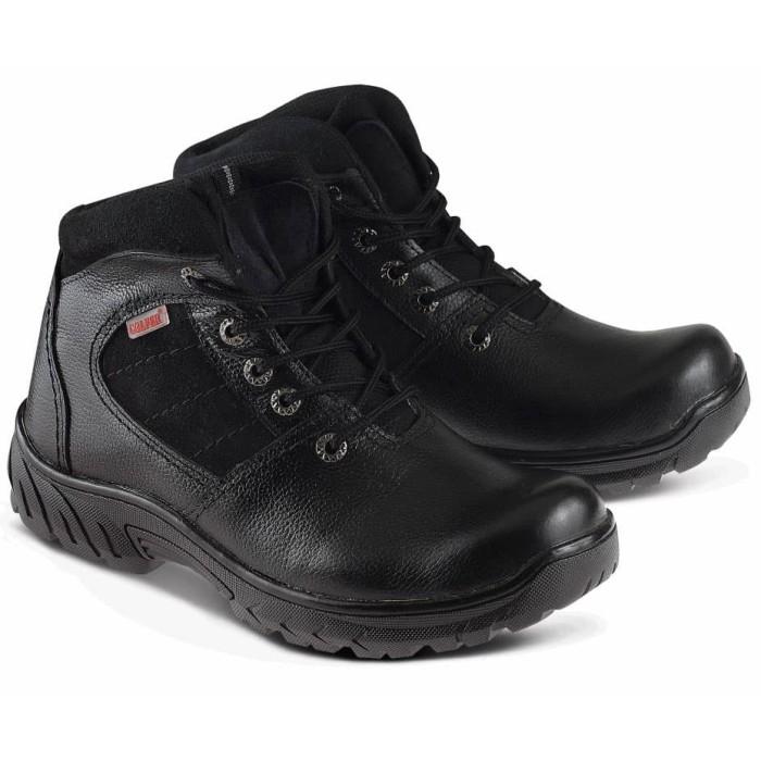 Sepatu Safety Shoes Tracking Mid Boots Pria Kulit Asli Golfer 2009 - Hitam b2e55be0dd
