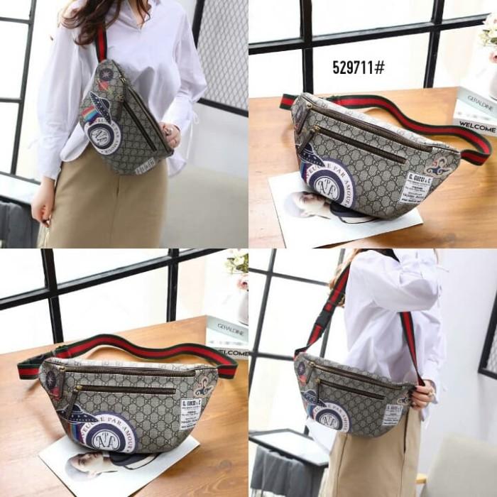 100f29100ee5 Jual Gucci Courrier GG Supreme Belt Bag 529711# Bahan gg pvc - Kota ...