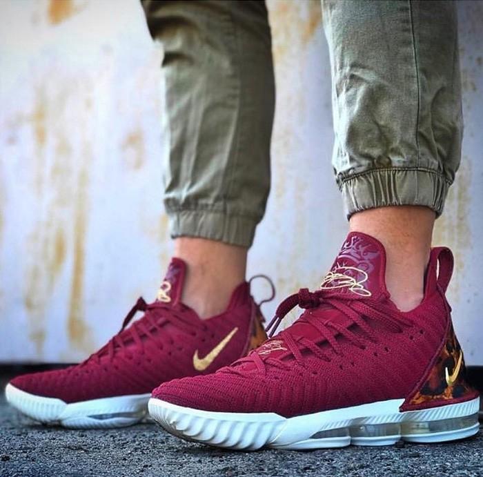Nike Lebron XVI King Premium Original