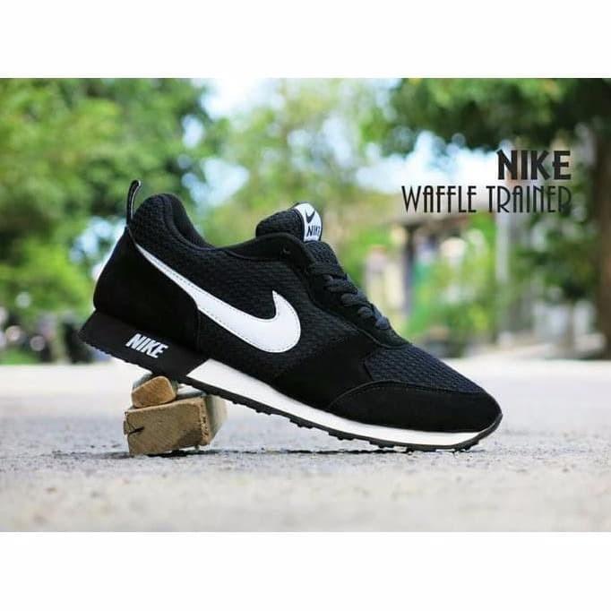 Terbaru Sepatu Sport Nike Waffle Trainer Hitam Putih Casual Cowok Ce ff8c7e80cd