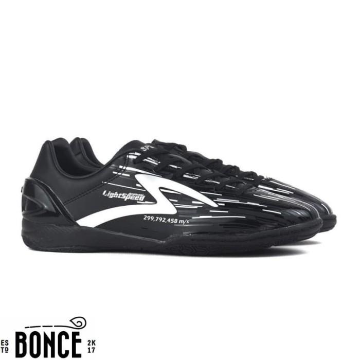 Jual Sepatu Futsal Specs Accelerator Light Speed In Black Silver