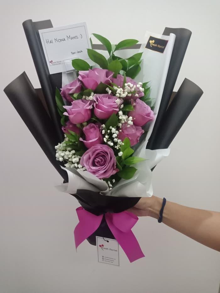 Jual Hand Bouquet Buket Bunga Wisuda Bucket Bunga Mawar Elegant Charm Kota Bekasi Toko Belanja Asik Tokopedia