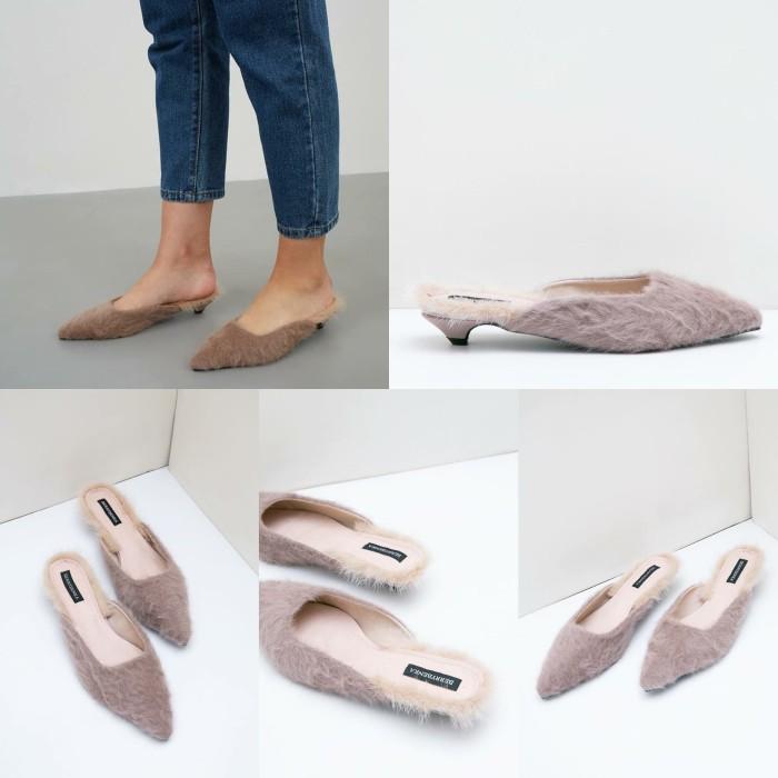 Mykolaiv Julian Furry Heels Sepatu Wanita Sandal Mules - Pink, 36