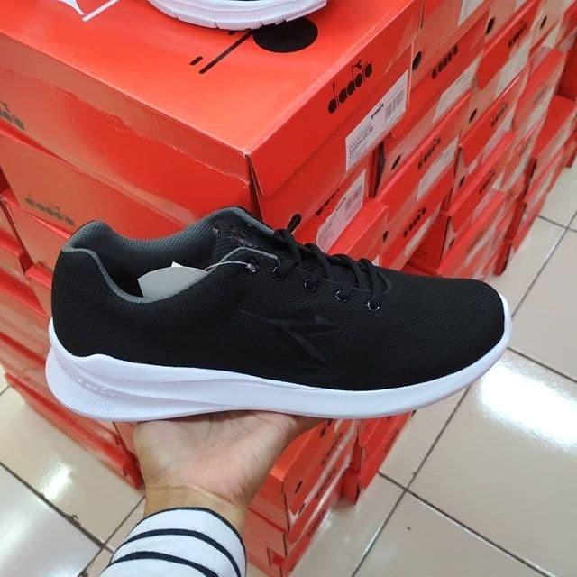... harga Sepatu pria diadora running gioi blackgrey asli ori bnib 100%  termurah Tokopedia.com 4b67599e36