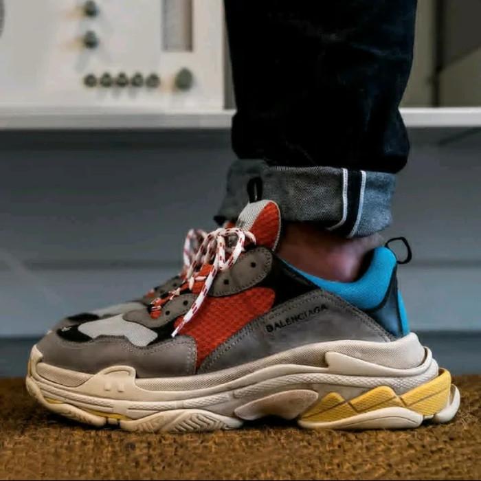Jual Balenciaga Triple S Un Authorized Original Sepatu Keren