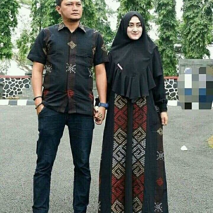Model Gamis Kain Tenun Gambar Hijab