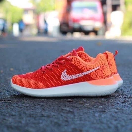 Nike zoom lunarlon ( sepatu nike / sepatu santai wanita )