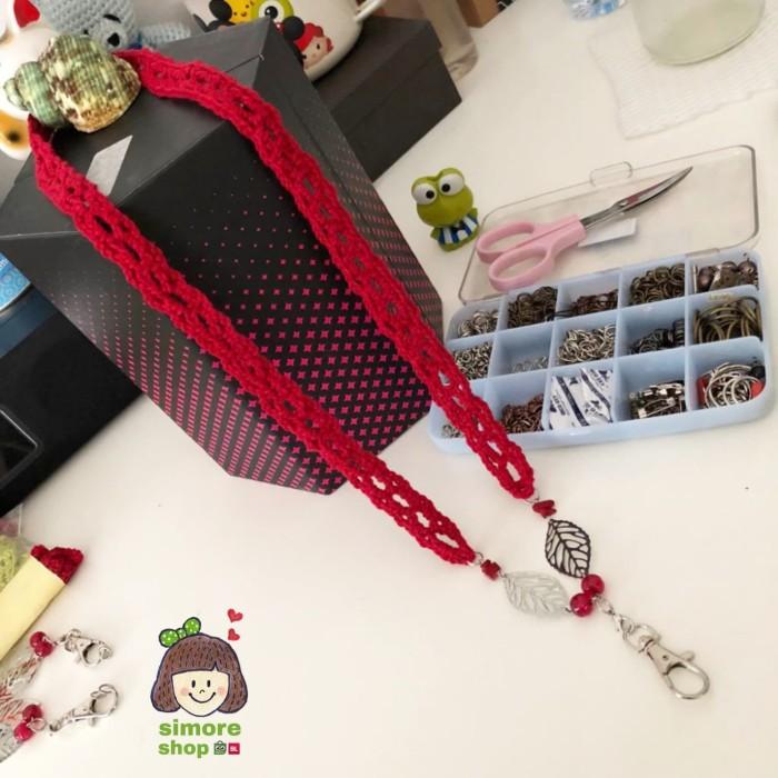 harga Tali name tag daun merah rajut gantungan id card lanyard kalung Tokopedia.com