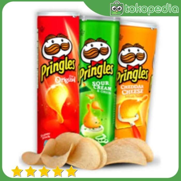 PROMO 110gr Pringles Original Potato Chips Keripik Kentang