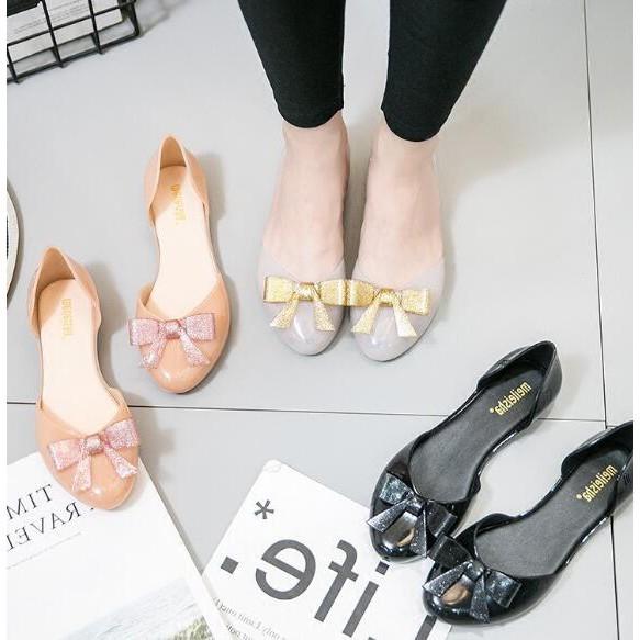 Sepatu Flat Shoes Jelly dengan Hiasan Kristal Model Korea untuk Wanita