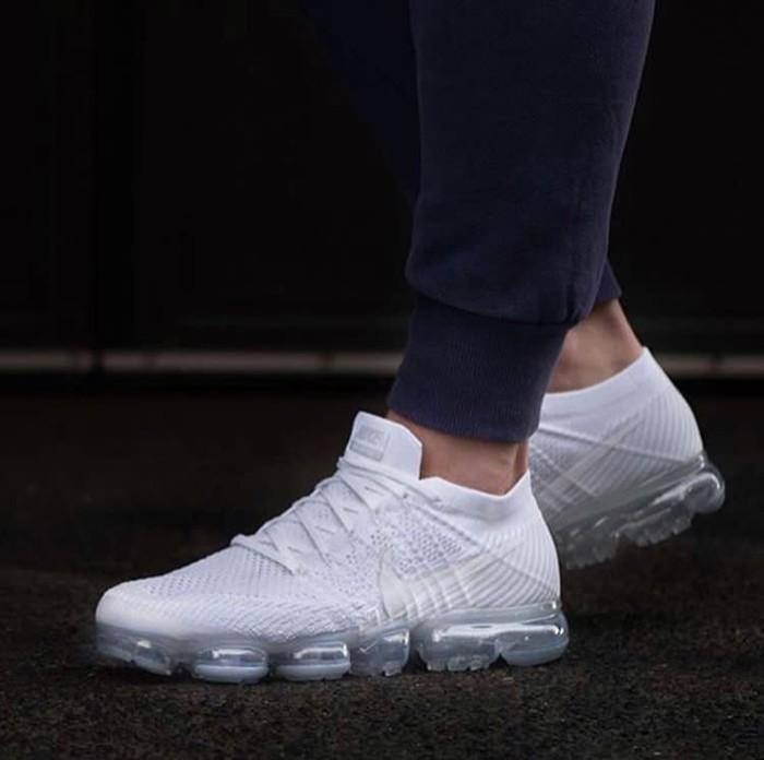 8c9c3ea23f5c Jual sepatu Nike Air Vapormax Flyknit Triple White Premium Original ...