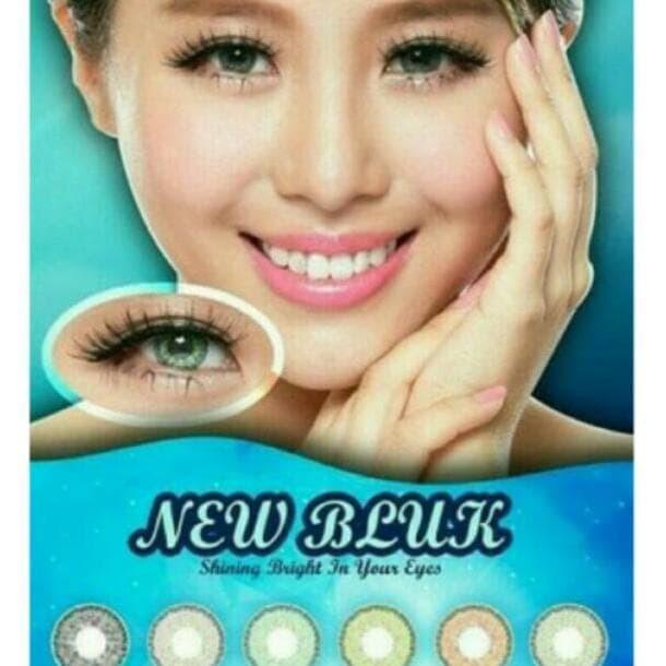 ... Gel Eyeliner With Expandable Brush Applicator. Source · Softlens New Bluk / Newbluk