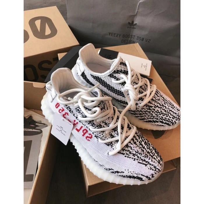 the latest 9c69d a40a9 Harga Adidas Yeezy Kw - Harga Barang 2019