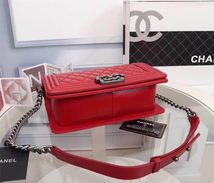 Jual Jual Tas CHANEL Le boy Lamb Red Medium 25cm SHW Mirror 1 1 VIP ... 066f981ccf