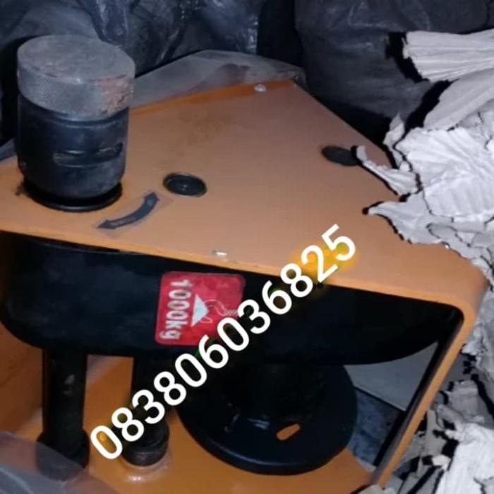 harga Hand winch. kerekan manual nagasaki 1000kg. Tokopedia.com