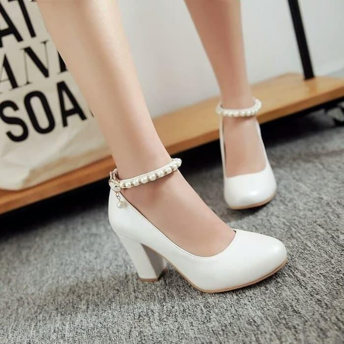 sepatu high heels hak tahu mutiara ADL-EA Putih