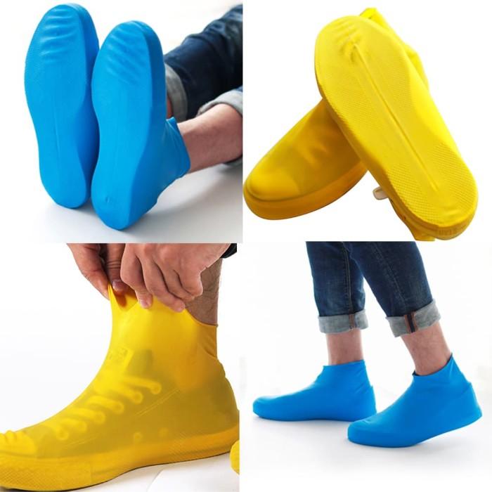 Foto Produk Cover Shoes Jas Pelapis Sepatu Karet Anti Air Hujan Waterproof Tinggi - M Hitam dari lbagstore