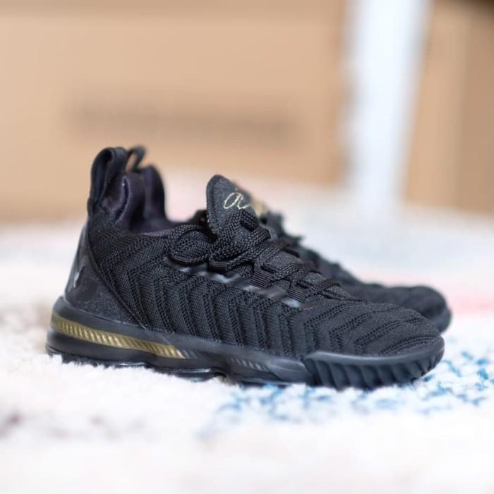 sale retailer 12187 3335e Jual Sepatu nike james lebron 16 kids black gold original - Kota Surabaya -  Unique_sneaker store | Tokopedia