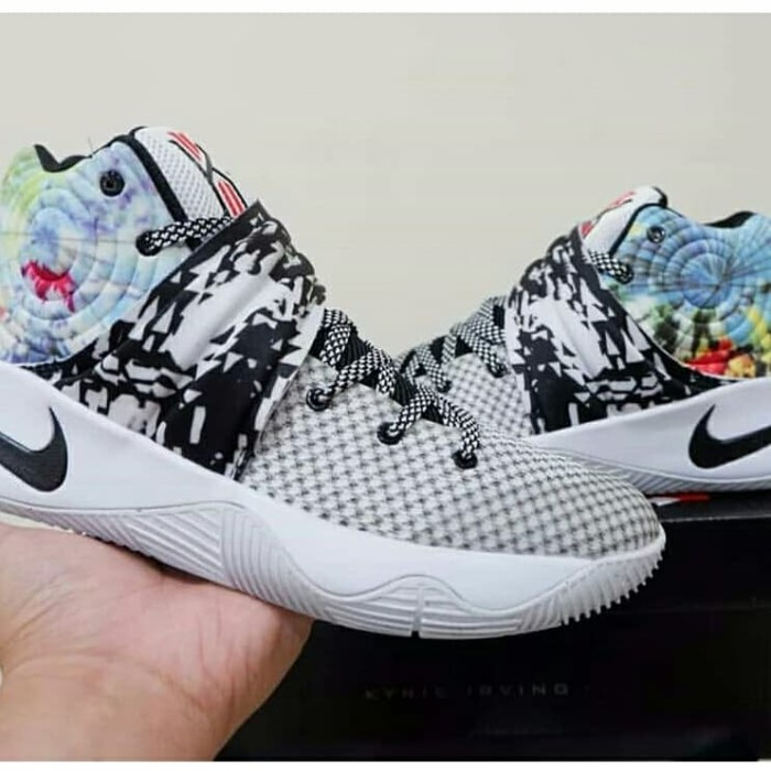 new products 803a9 2887b Jual Nike Kyrie 2