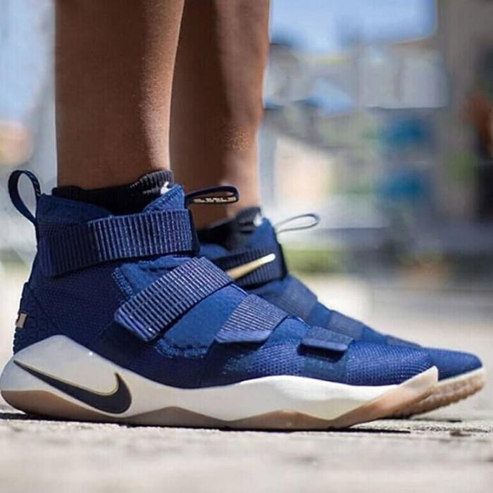 Jual Sepatu Basket Nike Lebron Soldier 11 Midnight Navy Premium ... db95b4377a
