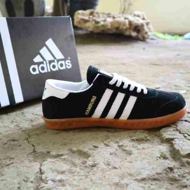 Jual Sepatu Adidas Hamburg Hitam Ft Putih 43 Kota Surabaya