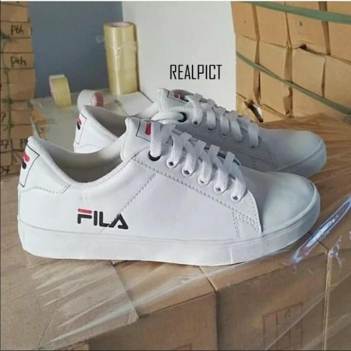 Jual sepatu sneakers Fila putih