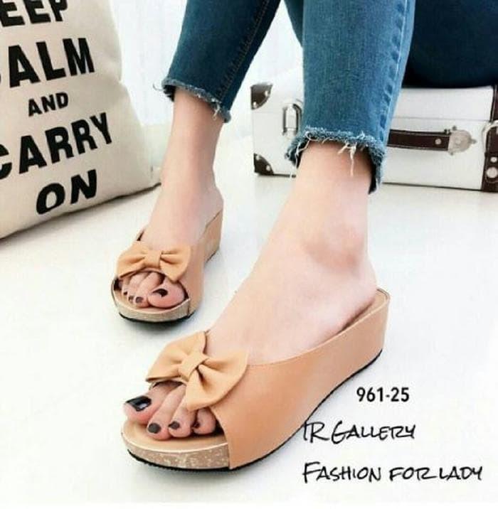 Unik Sandal Wedges Wanita Pita SDW236