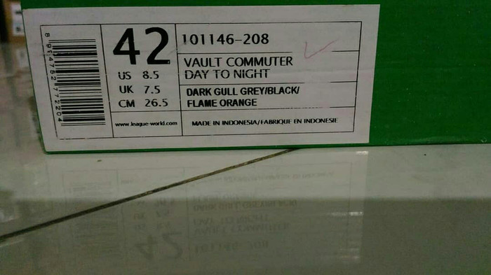 League Vault Commuter Day To Night Sepatu Sneakers Pria - Daftar ... dab8e357b1