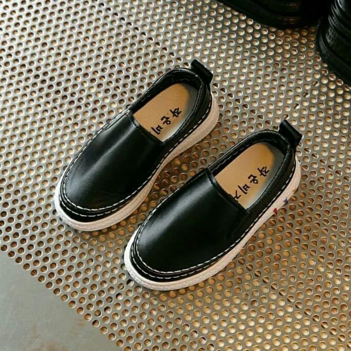 harga Sepatu anak import hitam sepatu kasual anak sepatu sekolah anak sd cwo Tokopedia.com