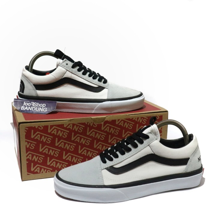 harga Sepatu vans old skool x the north face ntf white black premium bnib Tokopedia.com